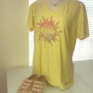 Life is Good women's t-shirt size XL, in EUC